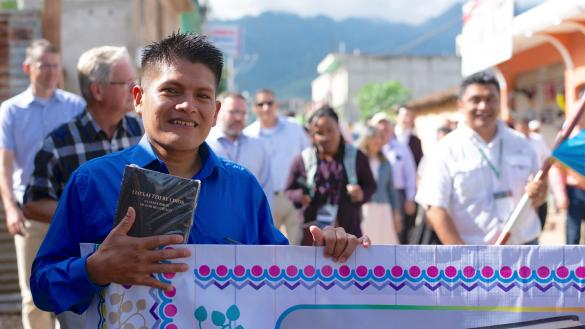 Full Bible translation tops 700 languages for first time)